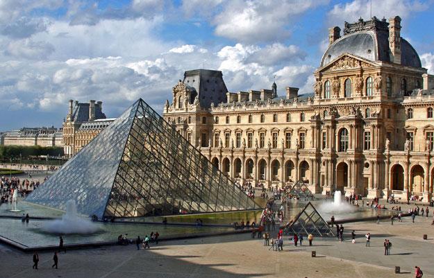 Fare scacco al Louvre